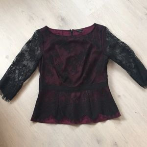 Ann Taylor lace sleeve black and burgundy blouse.